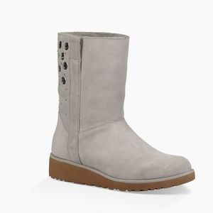 Ugg Madison Grommet Wedge Boot sz 8.5 New